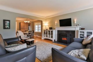 """Photo 2: 829 W 17TH Avenue in Vancouver: Cambie House for sale in """"DOUGLAS PARK"""" (Vancouver West)  : MLS®# R2026317"""