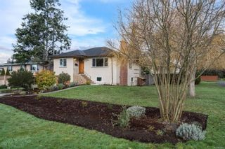 Photo 3: 1698 North Dairy Rd in : SE Camosun House for sale (Saanich East)  : MLS®# 863926