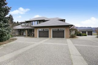 Photo 1: 49294 CHILLIWACK CENTRAL Road in Chilliwack: East Chilliwack House for sale : MLS®# R2536749