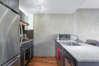 """Photo 6: 307 988 RICHARDS Street in Vancouver: Yaletown Condo for sale in """"TRIBECA"""" (Vancouver West)  : MLS®# R2202048"""