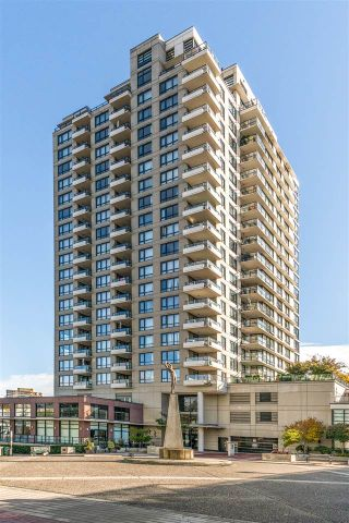 """Photo 2: 1306 1 RENAISSANCE Square in New Westminster: Quay Condo for sale in """"THE Q"""" : MLS®# R2215317"""