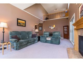 """Photo 3: 505 34101 OLD YALE Road in Abbotsford: Central Abbotsford Condo for sale in """"Yale Terrace"""" : MLS®# R2395704"""