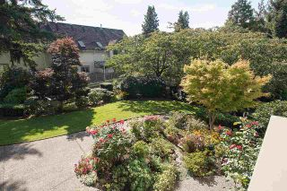 """Photo 9: 2 1511 MAHON Avenue in North Vancouver: Central Lonsdale Townhouse for sale in """"Heritage Court"""" : MLS®# R2206665"""