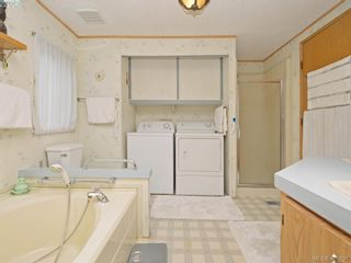 Photo 14: 21 1581 Middle Rd in VICTORIA: VR Glentana Manufactured Home for sale (View Royal)  : MLS®# 799550