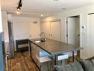 """Photo 5: 1406 108 W CORDOVA Street in Vancouver: Downtown VW Condo for sale in """"WOODWARDS W-32"""" (Vancouver West)  : MLS®# R2578411"""