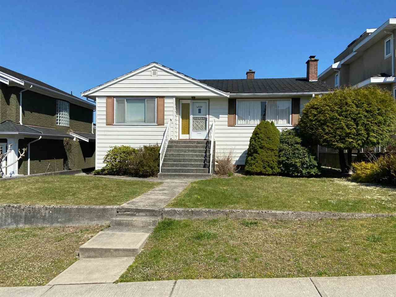 Main Photo: 4239 CHARLES Street in Burnaby: Willingdon Heights House for sale (Burnaby North)  : MLS®# R2566719