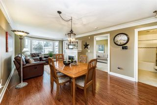 "Photo 8: PH5 15357 ROPER Avenue: White Rock Condo for sale in ""REGENCY COURT"" (South Surrey White Rock)  : MLS®# R2547054"