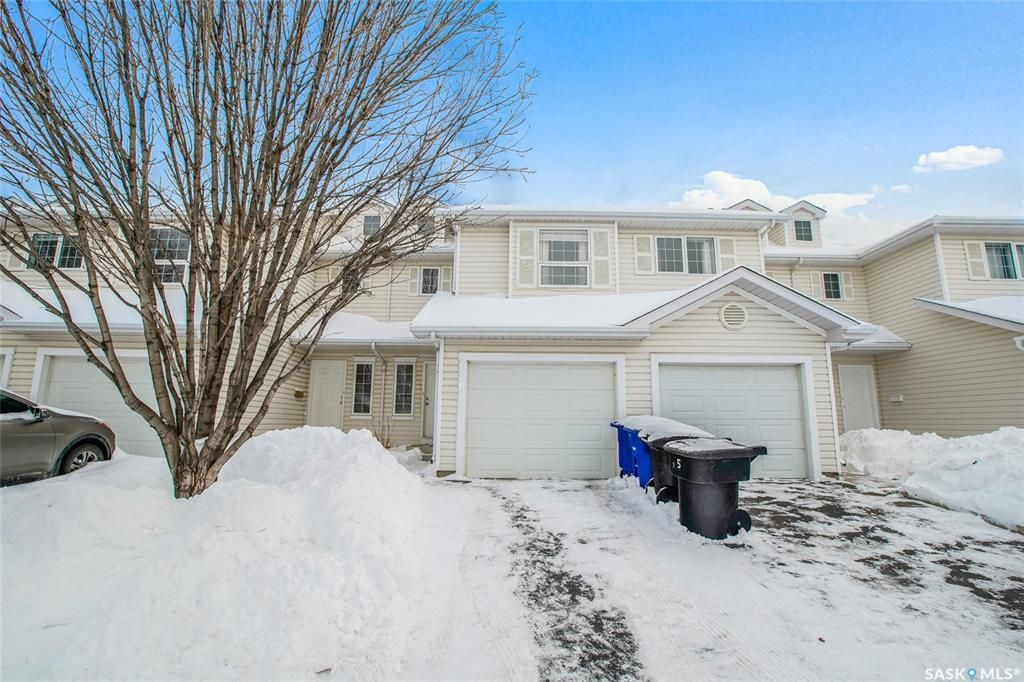 Main Photo: 33 410 Keevil Crescent in Saskatoon: Erindale Residential for sale : MLS®# SK833520