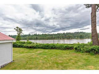 """Photo 4: 8511 MCLEAN Street in Mission: Mission-West House for sale in """"Silverdale"""" : MLS®# R2456116"""