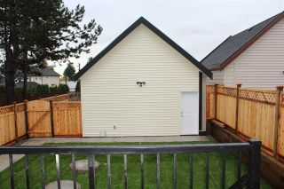 "Photo 3: 10187 128A Street in Surrey: Cedar Hills House for sale in ""Cedar Hills"" (North Surrey)  : MLS®# R2006205"