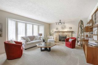 """Photo 3: 16112 10 Avenue in Surrey: King George Corridor House for sale in """"South Meridian/ McNally Creek"""" (South Surrey White Rock)  : MLS®# R2436037"""