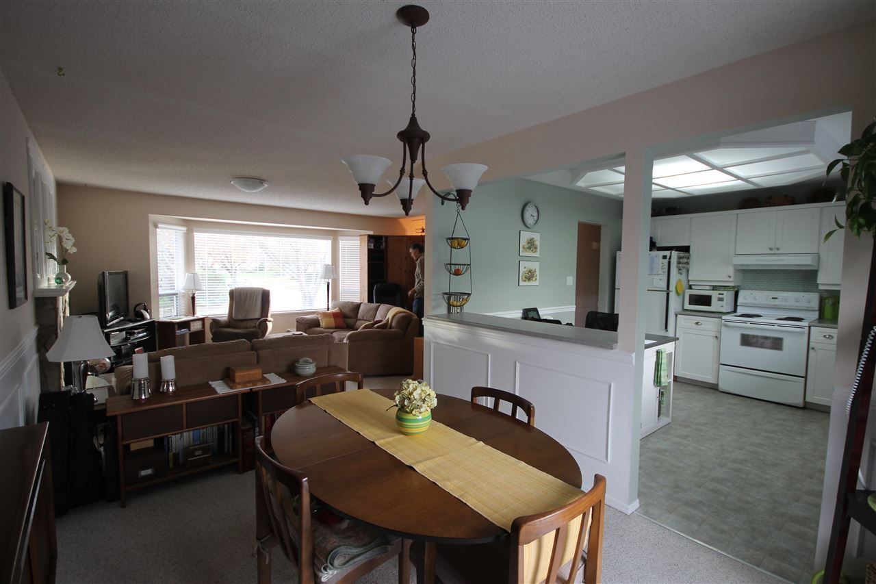 Photo 5: Photos: 1938 154A Street in Surrey: King George Corridor House for sale (South Surrey White Rock)  : MLS®# R2015886