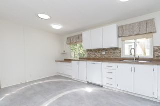 Photo 7: 122 2500 Florence Lake Rd in Langford: La Florence Lake Manufactured Home for sale : MLS®# 882957