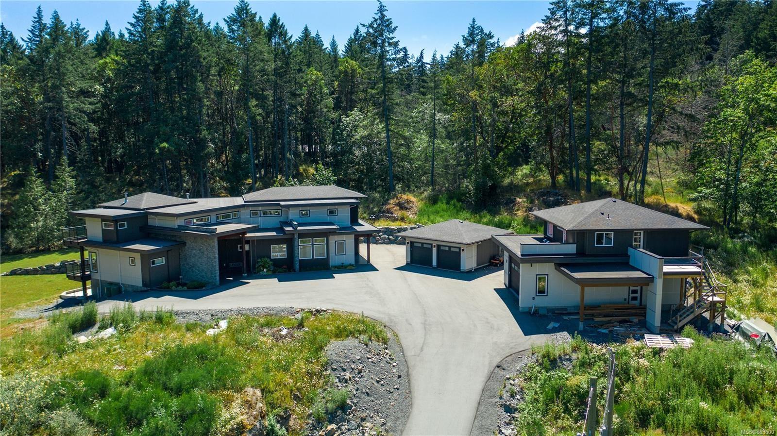 Main Photo: 1790 York Ridge Pl in : Hi Western Highlands House for sale (Highlands)  : MLS®# 863600