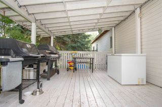 """Photo 11: 64 4430 W 16 Highway in Smithers: Smithers - Town Manufactured Home for sale in """"HUDSON BAY MOBILE HOME PARK"""" (Smithers And Area (Zone 54))  : MLS®# R2475652"""