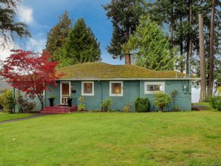 Photo 2: 2968 Leigh Pl in : La Langford Lake House for sale (Langford)  : MLS®# 860019