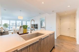 """Photo 15: 506 181 W 1ST Avenue in Vancouver: False Creek Condo for sale in """"Brook - The Village on False Creek"""" (Vancouver West)  : MLS®# R2528507"""