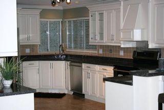 Photo 2: 15821 Columbia Avenue in White Rock: Home for sale : MLS®# F2833600