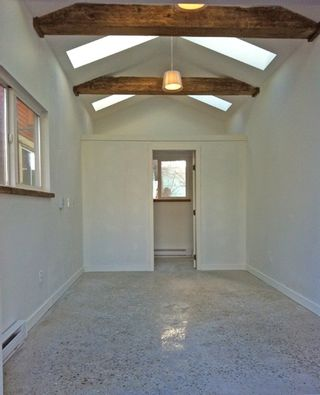 """Photo 16: 2236 E PENDER Street in Vancouver: Hastings House for sale in """"GRANDVIEW"""" (Vancouver East)  : MLS®# R2073977"""