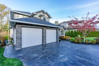 Photo 3: 3741 CASTLE PINES Court in Abbotsford: Abbotsford East House for sale : MLS®# R2340709