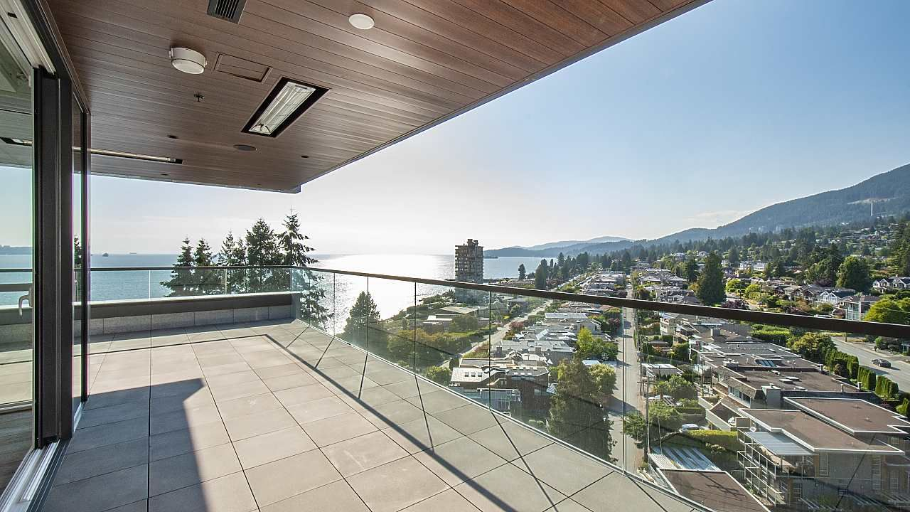 "Main Photo: 903 2289 BELLEVUE Avenue in West Vancouver: Dundarave Condo for sale in ""Bellevue by Cressey"" : MLS®# R2527495"