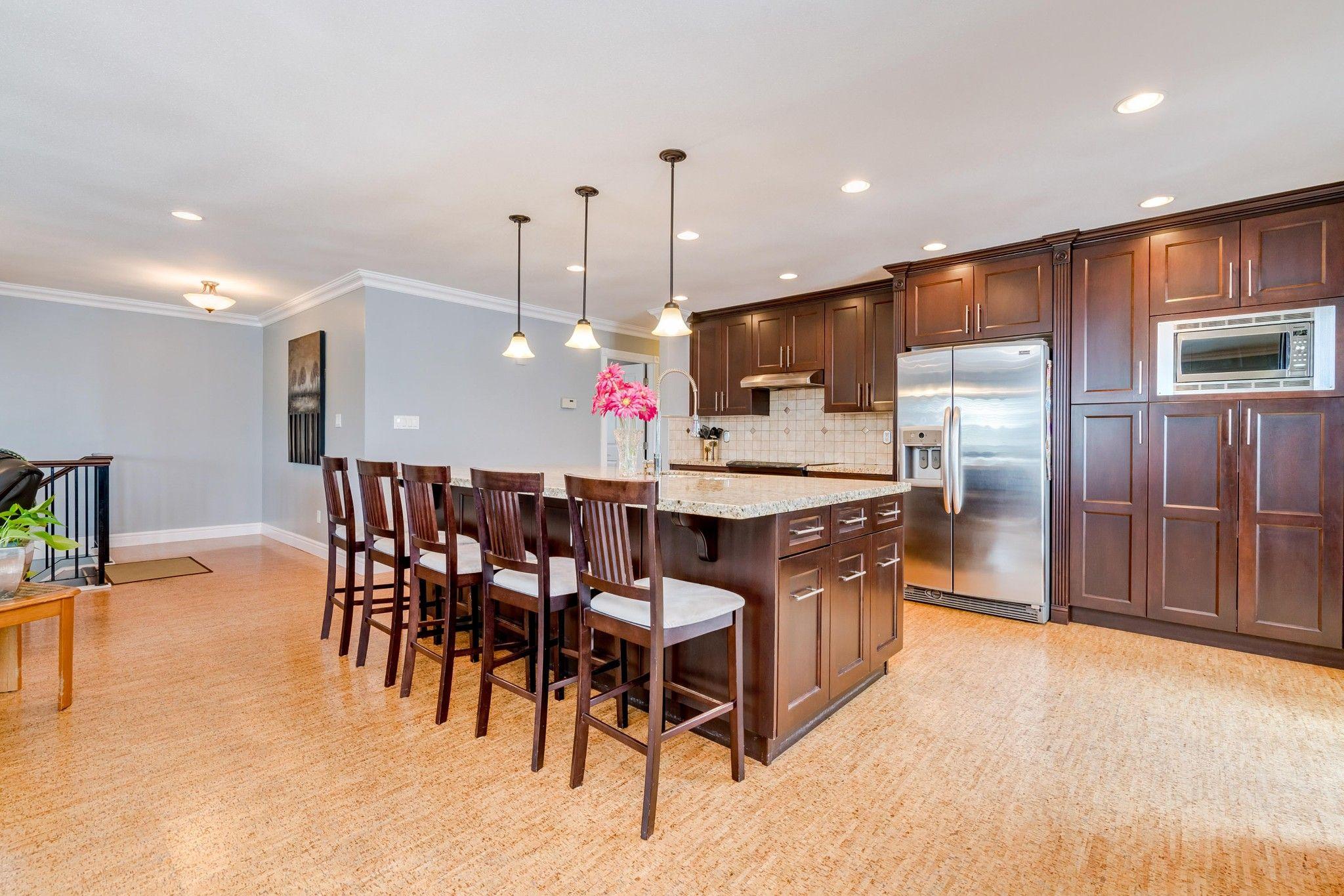 Photo 4: Photos:  in : Southwest Maple Ridge House for sale (Maple Ridge)  : MLS®# R2455980