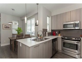 """Photo 10: 113 19433 68 Avenue in Surrey: Clayton Townhouse for sale in """"The Grove"""" (Cloverdale)  : MLS®# R2303599"""