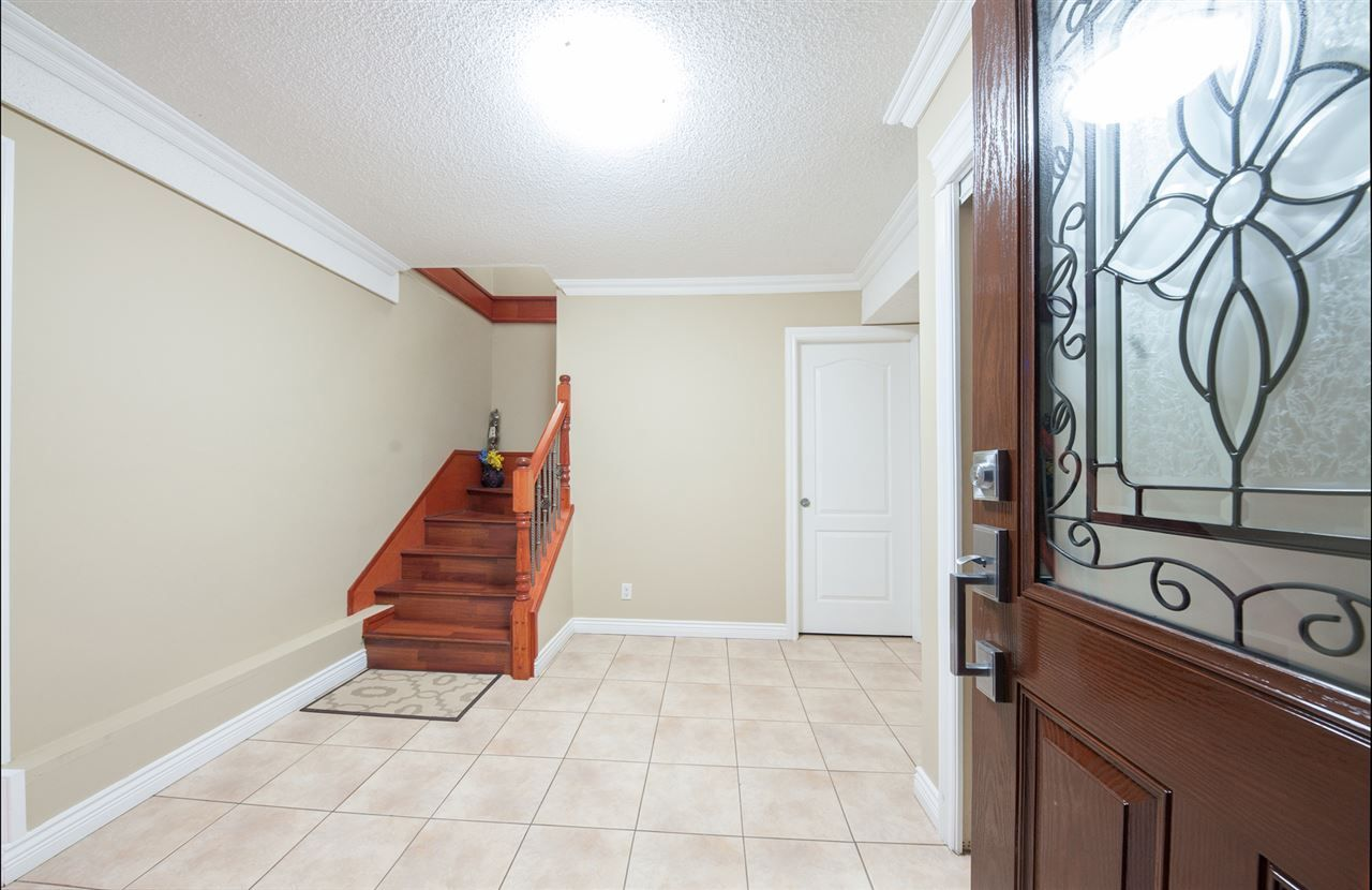 Main Photo: 13864 FALKIRK DRIVE in Surrey: Bear Creek Green Timbers House for sale : MLS®# R2334846