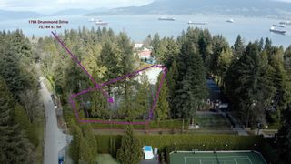 """Photo 1: 1784 DRUMMOND Drive in Vancouver: Point Grey House for sale in """"Point Grey"""" (Vancouver West)  : MLS®# R2624427"""