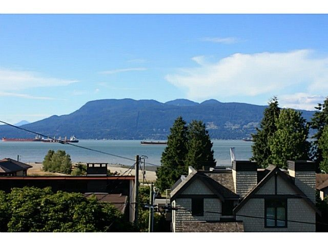 Main Photo: 4560 BELMONT Ave in Vancouver West: Home for sale : MLS®# V1127248