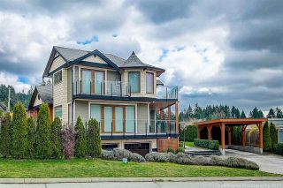Photo 2: 541 HERMOSA Avenue in North Vancouver: Upper Delbrook House for sale : MLS®# R2560386