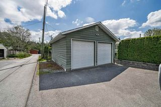 Photo 3: 3749 CARSON Street in Burnaby: Suncrest House for sale (Burnaby South)  : MLS®# R2460920