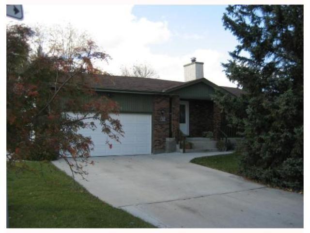 Main Photo: 696 CATHCART Street in WINNIPEG: Charleswood Residential for sale (South Winnipeg)  : MLS®# 2820056