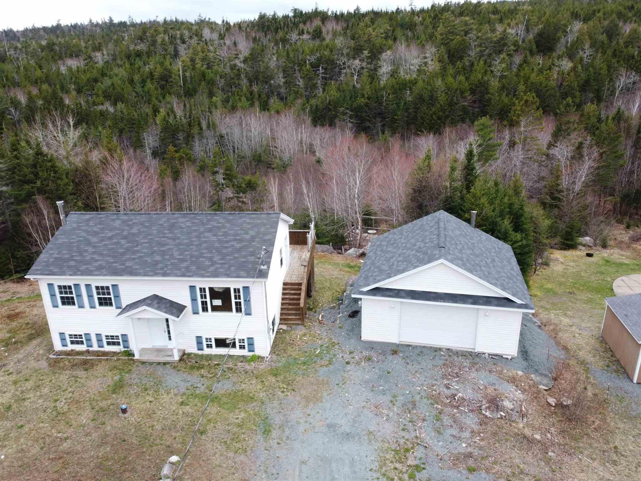 Main Photo: 1536 Myra Road in Porters Lake: 31-Lawrencetown, Lake Echo, Porters Lake Residential for sale (Halifax-Dartmouth)  : MLS®# 202111472