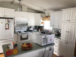 Photo 2: 37 9055 ASHWELL Road in Chilliwack: Chilliwack W Young-Well Manufactured Home for sale : MLS®# R2389074