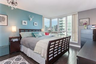 """Photo 10: 901 120 MILROSS Avenue in Vancouver: Mount Pleasant VE Condo for sale in """"The Brighton"""" (Vancouver East)  : MLS®# R2223429"""