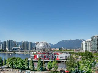 """Photo 2: 908 1661 QUEBEC Street in Vancouver: Mount Pleasant VE Condo for sale in """"Voda"""" (Vancouver East)  : MLS®# R2284074"""