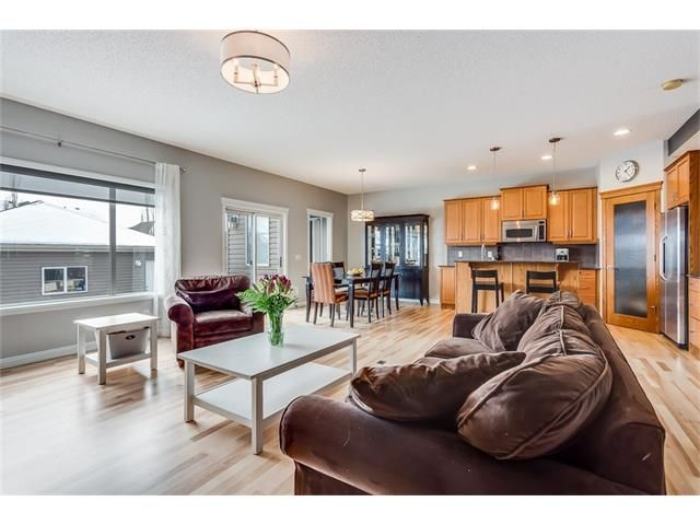 Photo 6: Photos: 46 PRESTWICK Parade SE in Calgary: McKenzie Towne House for sale : MLS®# C4103009