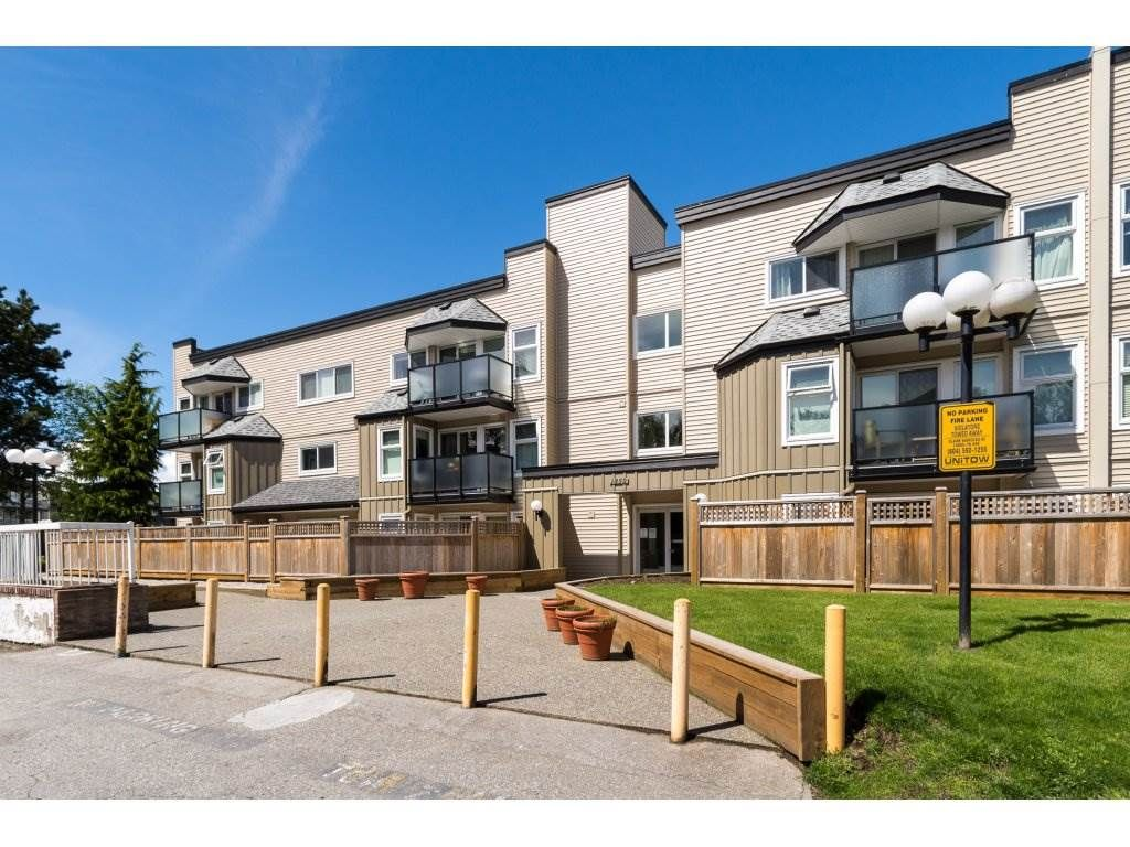 """Main Photo: 323 1850 E SOUTHMERE Crescent in Surrey: Sunnyside Park Surrey Condo for sale in """"Southmere Place"""" (South Surrey White Rock)  : MLS®# R2192713"""