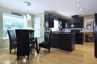 """Photo 6: 8407 215 Street in Langley: Walnut Grove House for sale in """"Forest Hills"""" : MLS®# R2159381"""