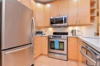 Photo 2: 1 220 Moss St in VICTORIA: Vi Fairfield West Row/Townhouse for sale (Victoria)  : MLS®# 776073