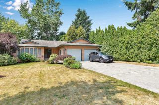 """Photo 2: 6235 171 Street in Surrey: Cloverdale BC House for sale in """"WEST CLOVERDALE"""" (Cloverdale)  : MLS®# R2598284"""