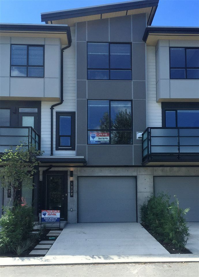 """Main Photo: 1222 SHANNON Lane in Squamish: Downtown SQ Townhouse for sale in """"The Falls at Eaglewind"""" : MLS®# R2107690"""