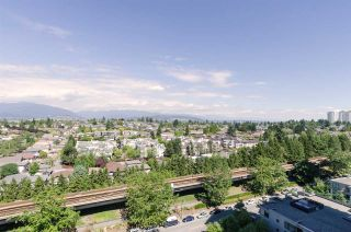 """Photo 16: 2410 3663 CROWLEY Drive in Vancouver: Collingwood VE Condo for sale in """"LATITUTDE"""" (Vancouver East)  : MLS®# R2140003"""