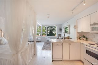 """Photo 5: 202 910 BEACH Avenue in Vancouver: Yaletown Condo for sale in """"Meridian"""" (Vancouver West)  : MLS®# R2581260"""