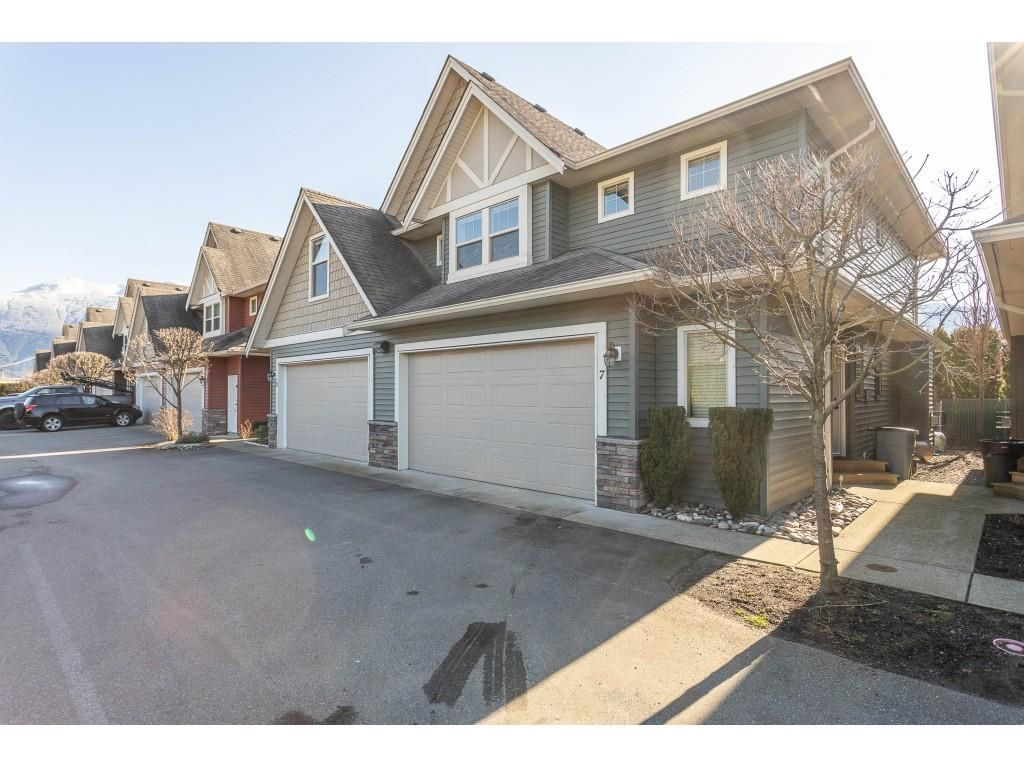 """Main Photo: 7 1854 HEATH Road: Agassiz Townhouse for sale in """"GALLAGHERS LANDING"""" : MLS®# R2436764"""