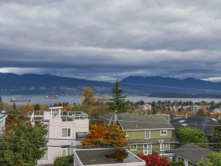 Photo 1: 3949 W 13TH Avenue in Vancouver: Point Grey House for sale (Vancouver West)  : MLS®# R2119677