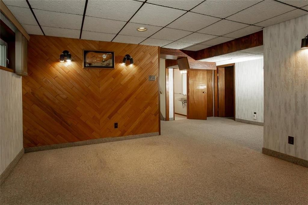 Photo 27: Photos: 128 Sterling Avenue in Winnipeg: Meadowood Residential for sale (2E)  : MLS®# 202011390