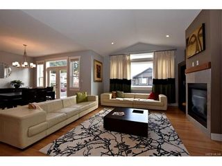 Photo 3: 436 Nursery Hill Dr in VICTORIA: VR Six Mile House for sale (View Royal)  : MLS®# 746407