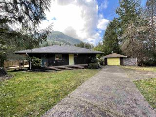 "Photo 3: 49032 SHELDON Road in Chilliwack: Chilliwack River Valley House for sale in ""Bell Acres"" (Sardis)  : MLS®# R2556120"